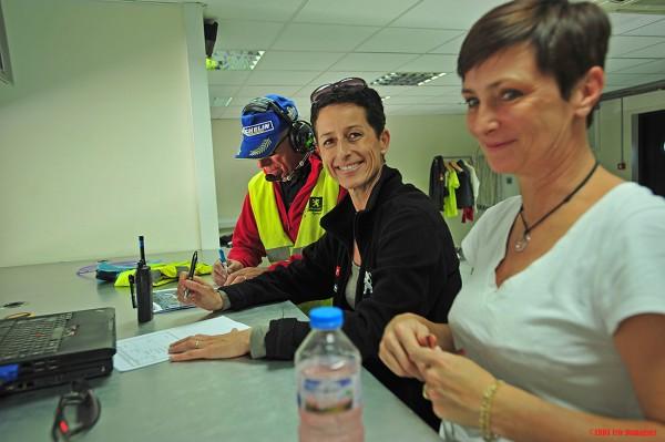 Sandrine, Nathalie et Roland à la gestion de la stratégie de course...