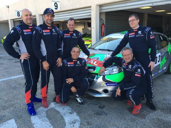 De gauche à droite : Gilles, Philippe, Fred, Reginald, Pierre, Frank